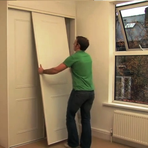 Step 6: Installing the wardrobe sliding doors