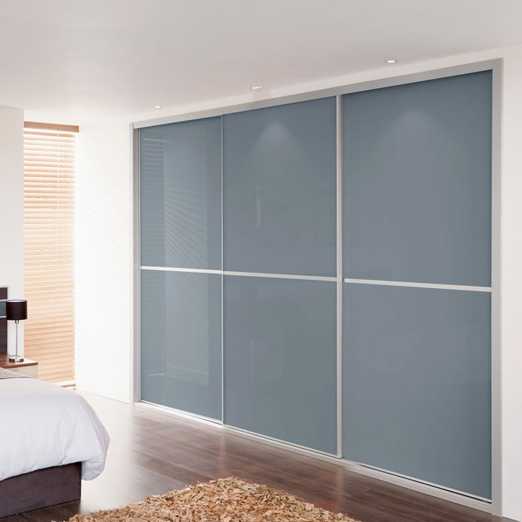 Metro Fitted Floor to Ceiling Wardrobe – Blue Shadow Sliding Panels.